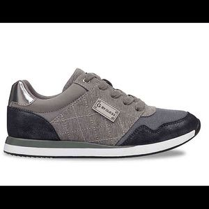 NWT G by GUESS Jeryl Lace-Up Sneakers